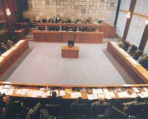 Consiglio Valle, rinviata la mozione sulle dimissioni di Fosson