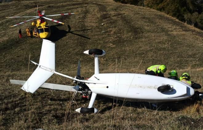 Elicottero si ribalta a Chamois