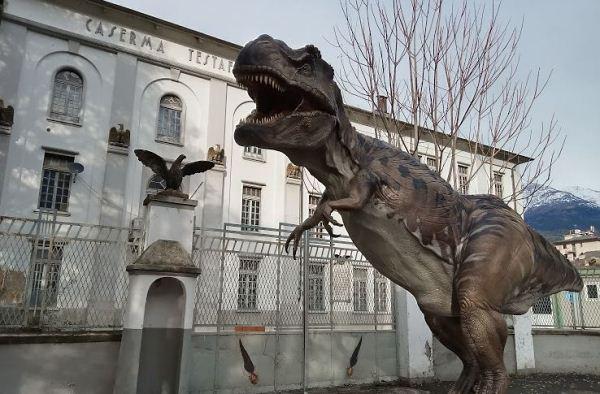 Dinosauri carneossa1x600