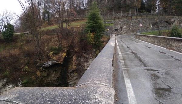 Combattere i suicidi ingabbiando i ponti della Valle d'Aosta