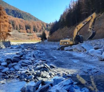 lavori nel torrente Grand Eyvia
