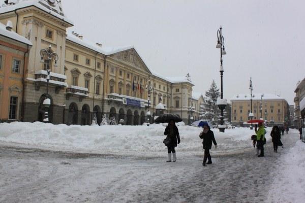 """Il Comune di Aosta pubblica un """"Vademecum neve"""""""