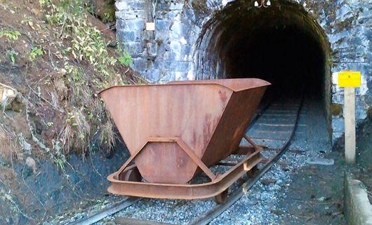 La Thuile, escursione alle miniere e all'ex campo di prigionia fascista che  rischia di scomparire - AostaOggi.IT
