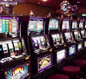 Legge slot machine orari