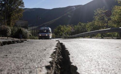 Terremoto: in Umbria allestite anche tende collettive