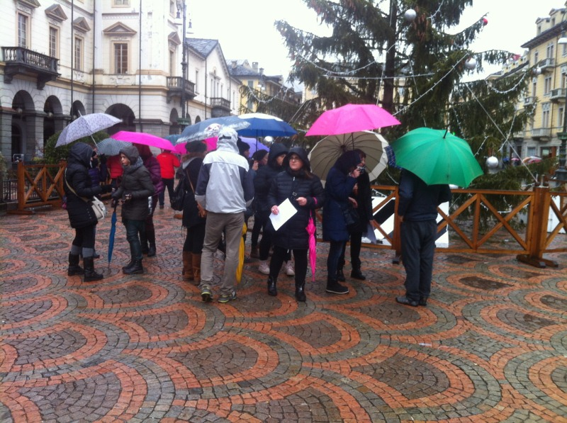 Sciopero della scuola insegnanti protestano in piazza ad for Planimetrie della casetta con seminterrato di sciopero