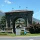 Aosta, l'Arco d'Augusto si illumina per i 20 anni di Alice